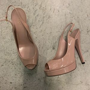 Auth Gucci Blush patent leather platform heels